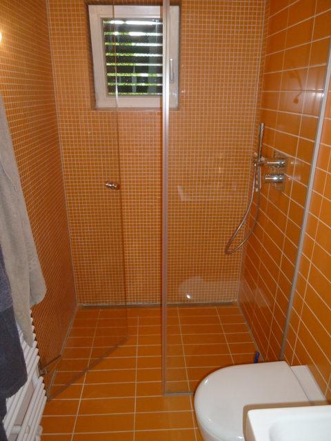duscht ren duschen duschabtrennungen duschwand f r nischen glas 80 pictures to pin on pinterest. Black Bedroom Furniture Sets. Home Design Ideas